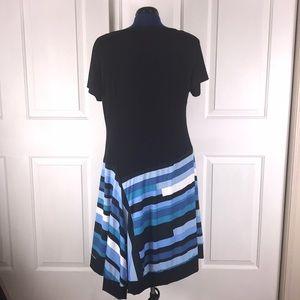 Avenue Dresses - NWOT Avenue 18/20 handkerchief hem dress